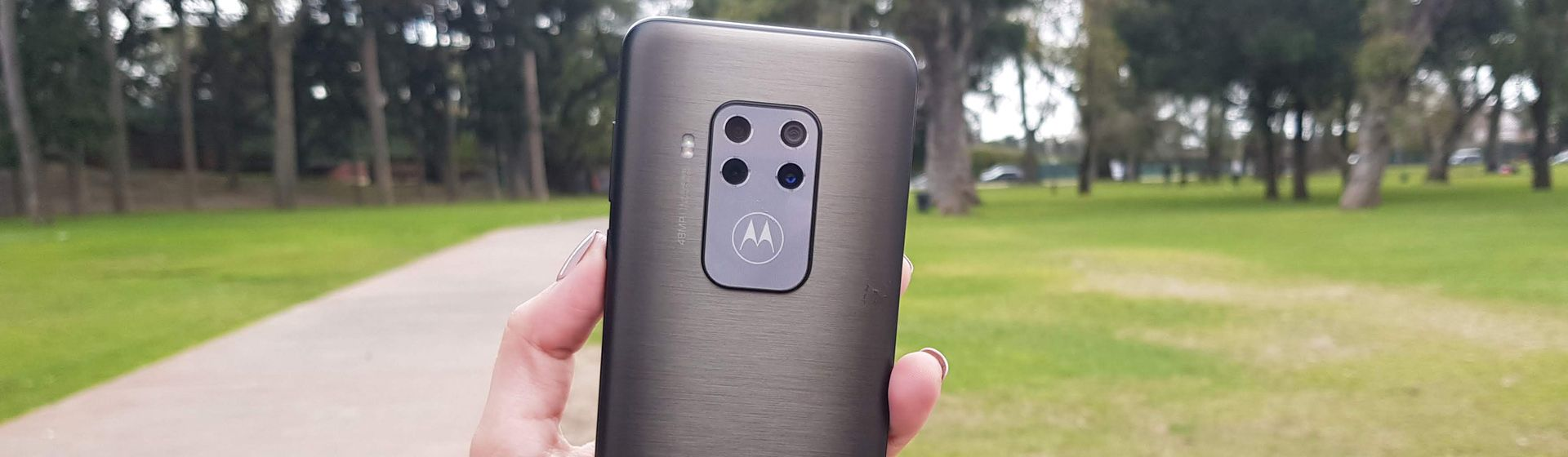 Review Motorola One Zoom: testamos câmeras, desempenho e bateria