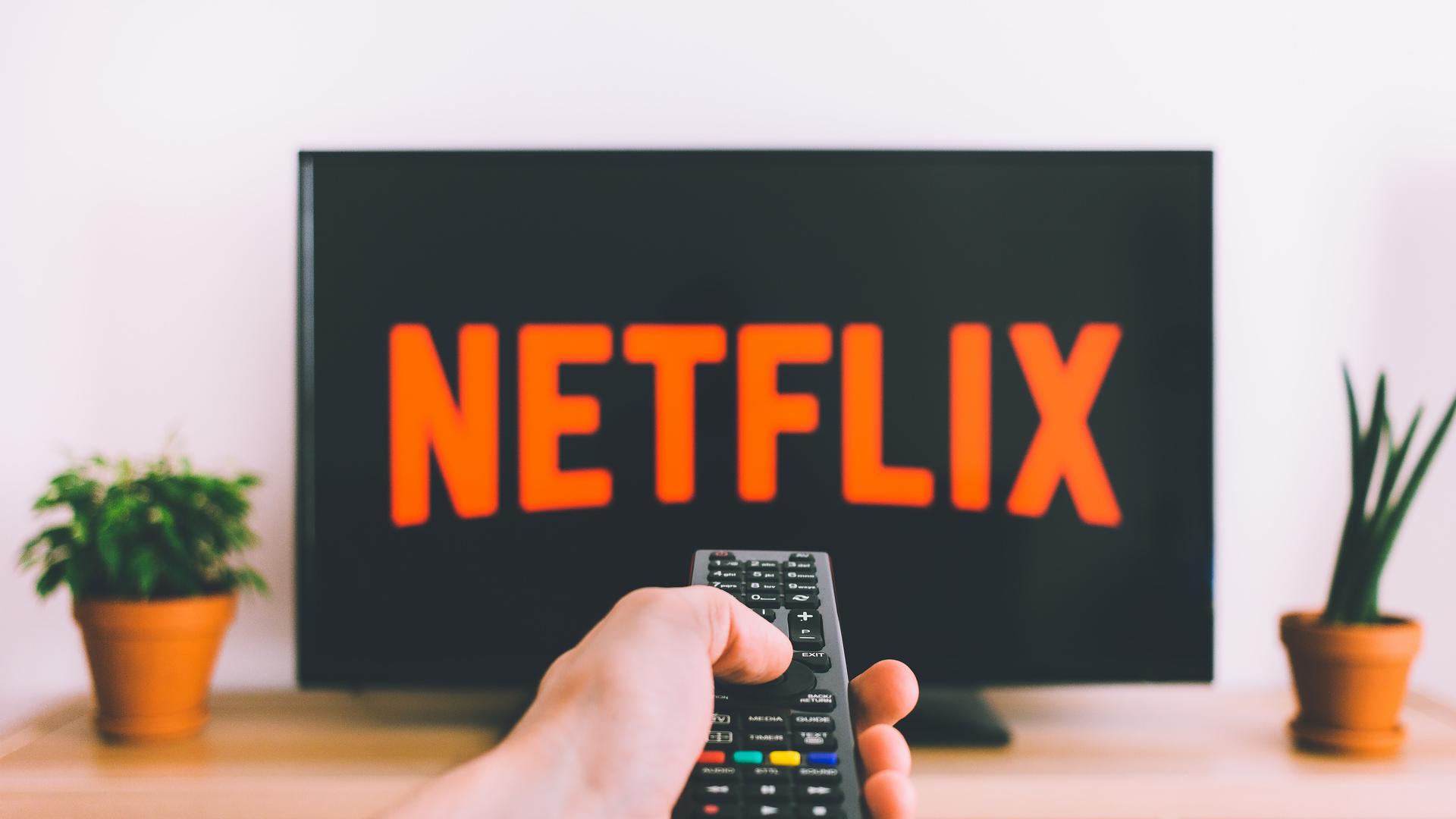 Filmes e séries baseados em livros para ver na Netflix durante a quarentena