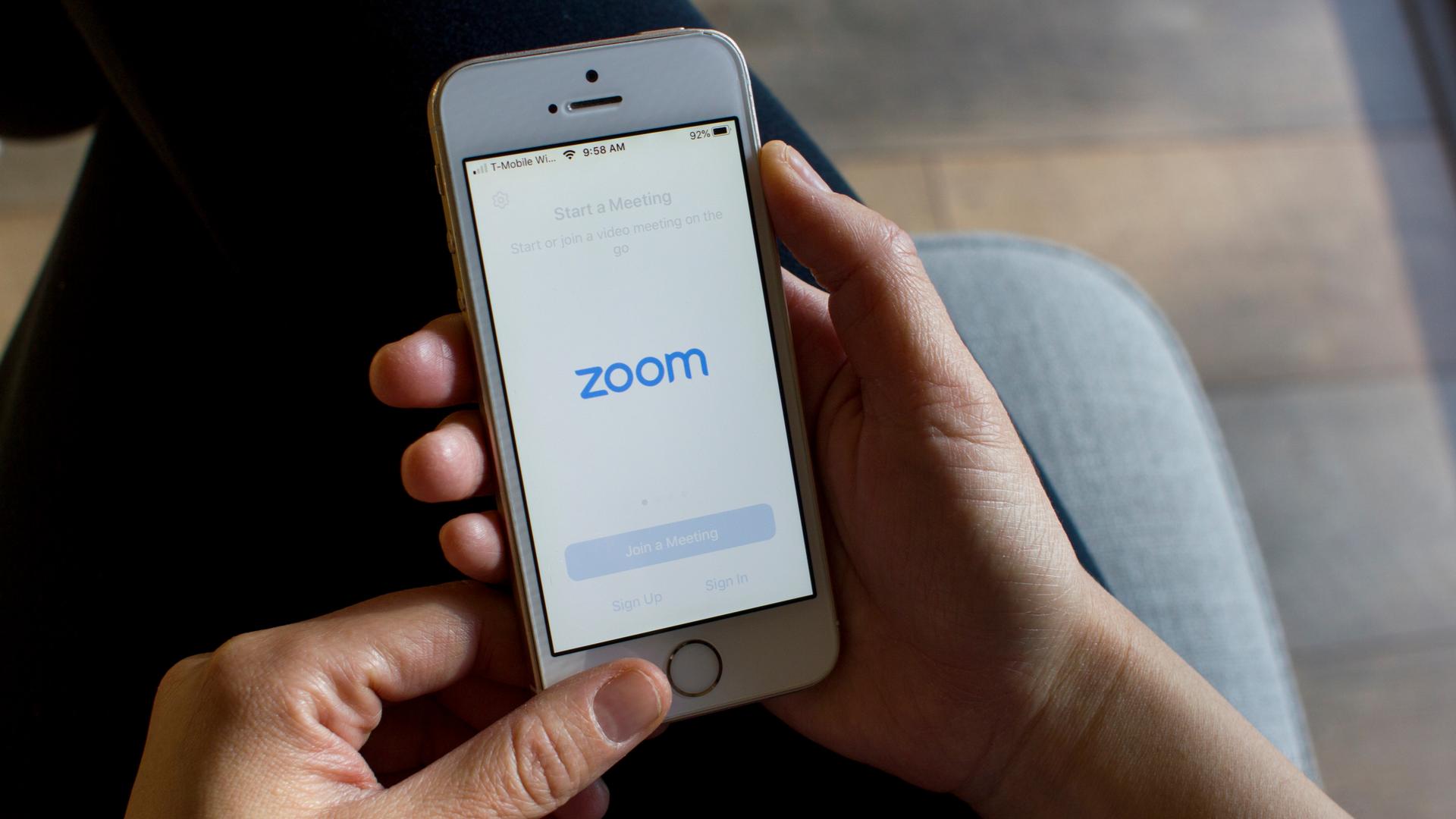 Como usar o Zoom, app de videoconferências, no celular