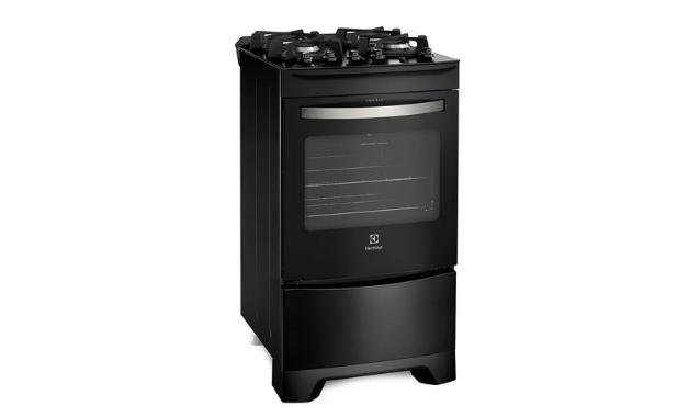 O Electrolux 52LPV é um fogão pequeno com forno amplo. (Imagem: Divulgação/Electrolux)