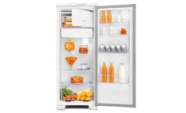 Interior da geladeira Electrolux RE31 (Imagem:Divulgação/Electrolux)