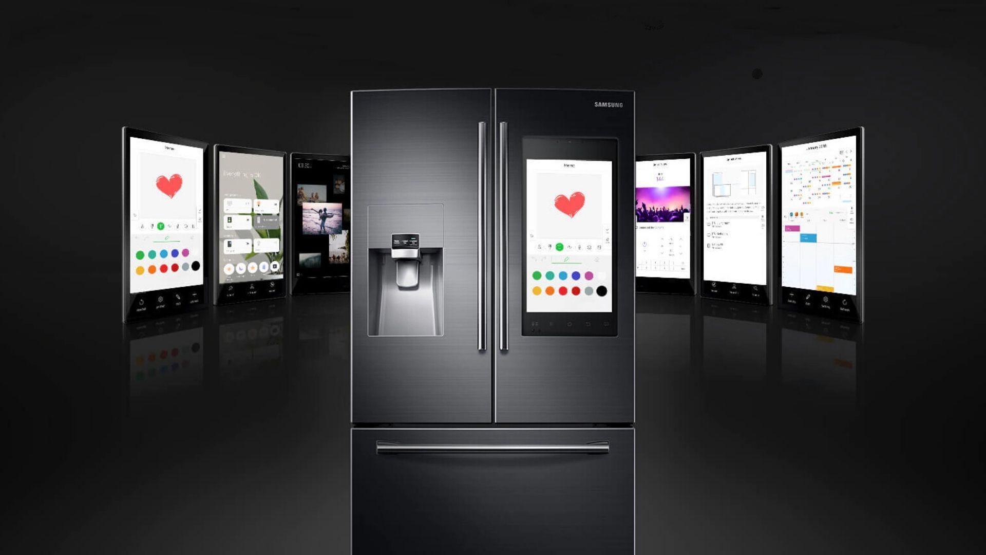 Geladeira Family Hub,d a Samsung, também pode ser controlar e controlar outros aparelhos da casa. (Imagem: Reprodução/Samsung)
