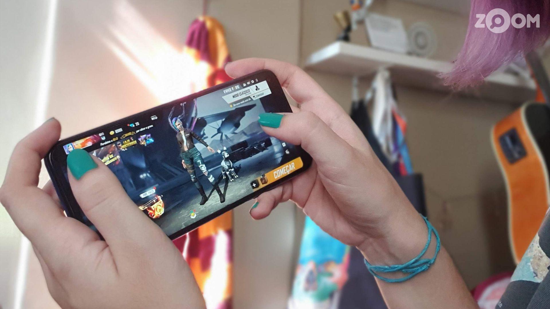 Huawei nova 5T rodou Free Fire sem engasgos. (Imagem: Ana Marques/Zoom)