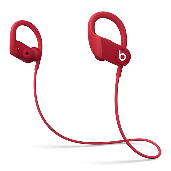 Novos Powerbeats na cor vermelha. (Imagem: Divulgação/Apple)