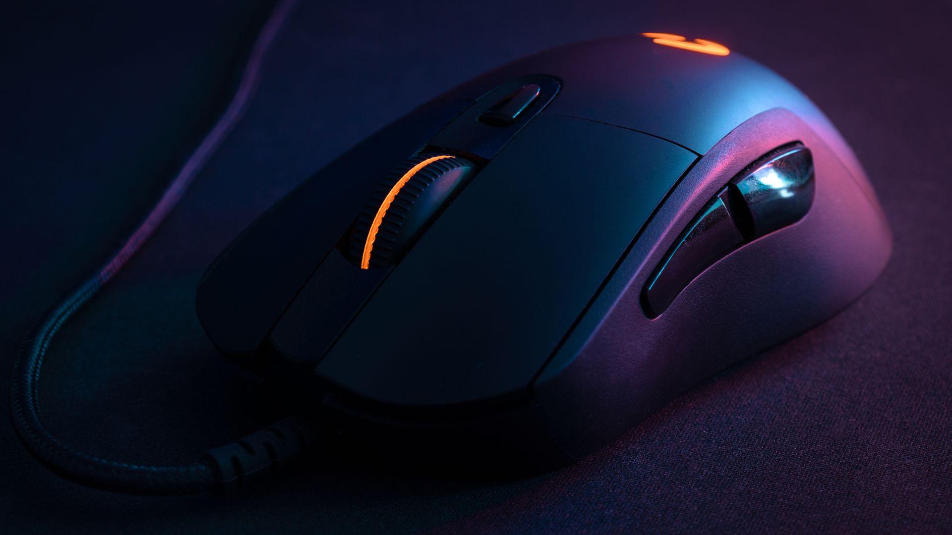 Mouses gamer são indicados para jogadores que precisam de vários botões e precisão maior. (Foto: Reprodução/Shutterstock/Andre_Costa)