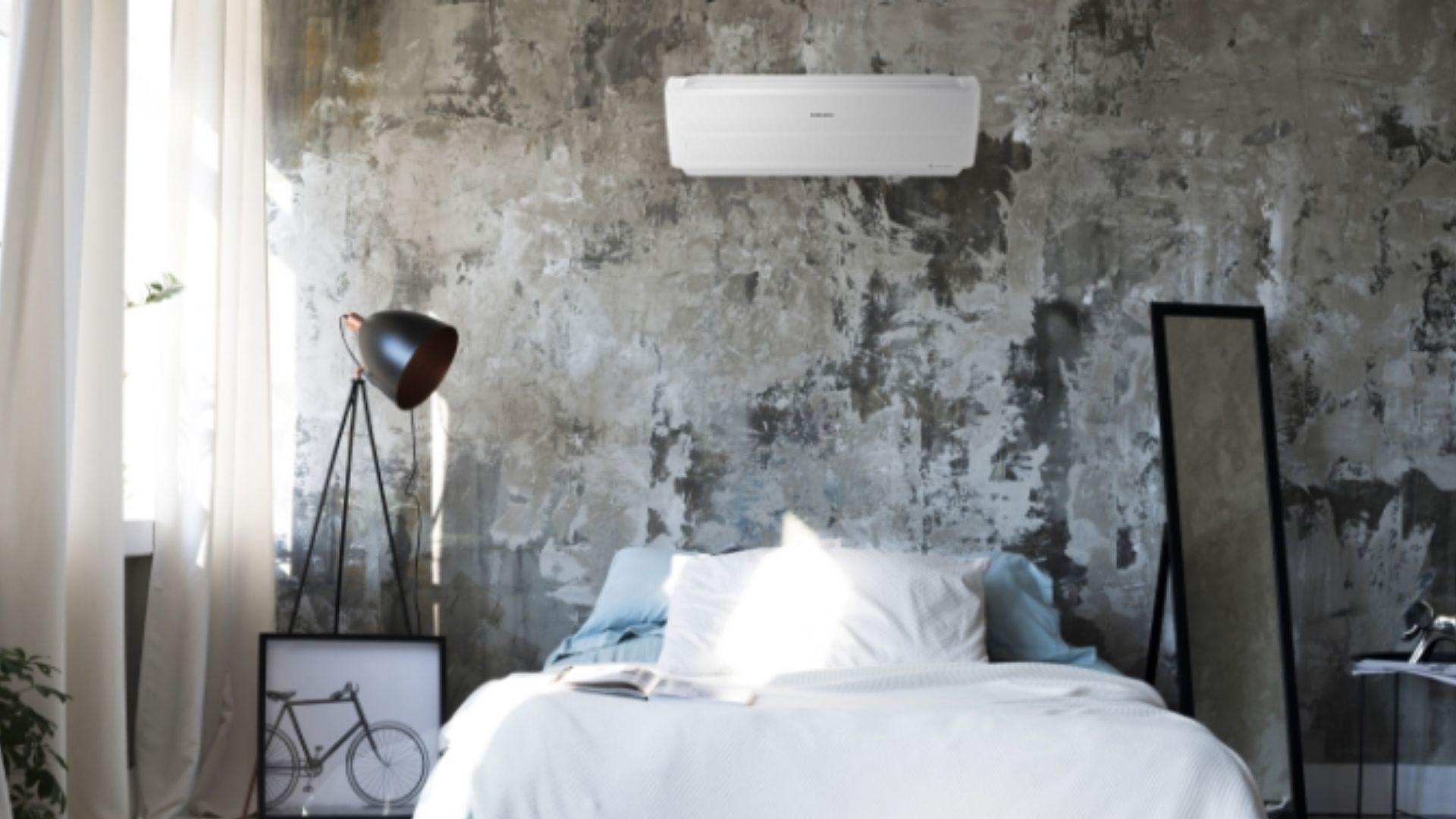 Com o ar condicionado Samsung Wind Free, é possível deixar o ambiente na temperatura desejada, mesmo antes de chegar em casa. (Imagem: Divulgação/Samsung)