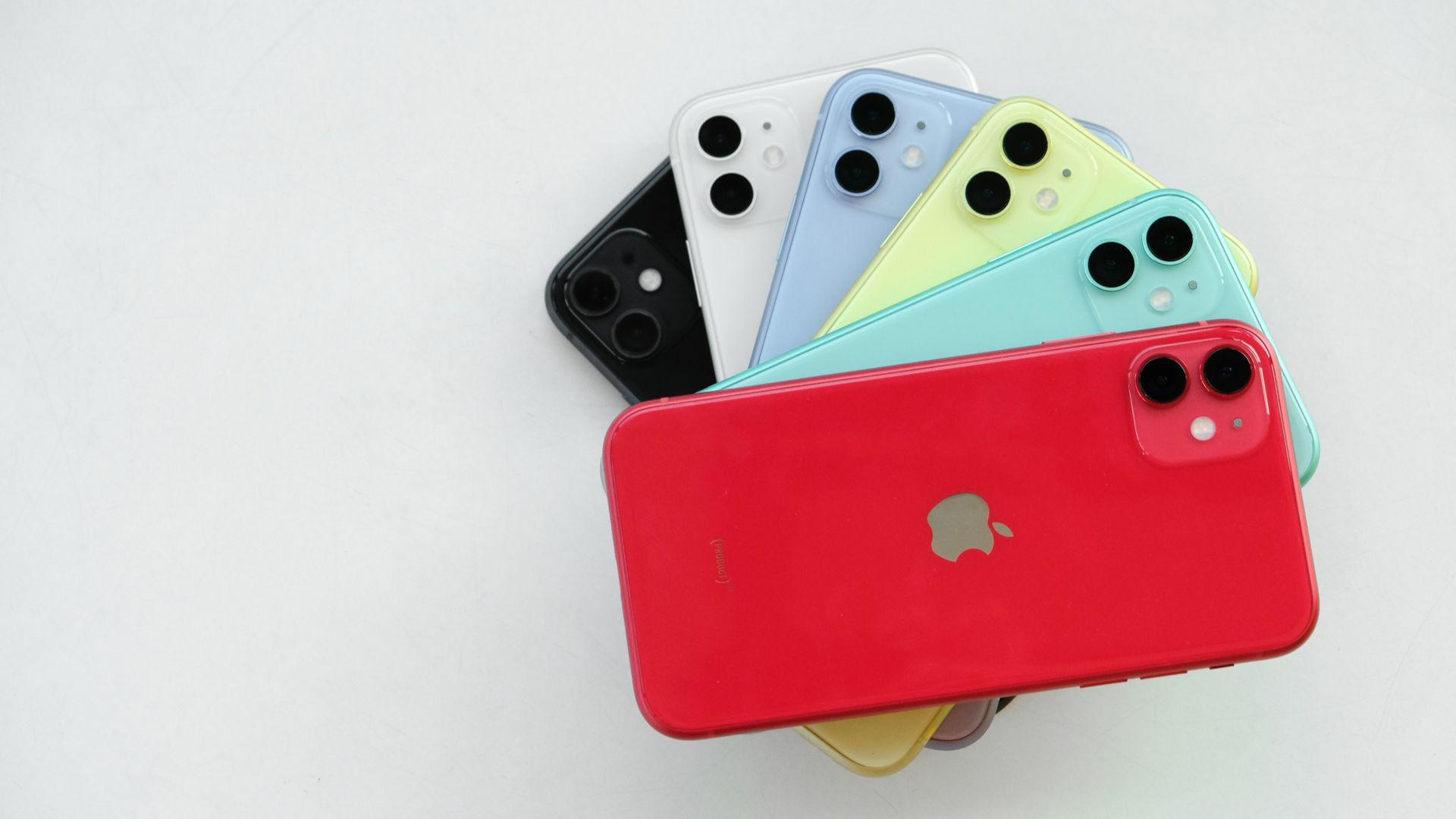 iPhone 11 está disponível em seis opções de cores. (Imagem: Framesira/Shutterstock)