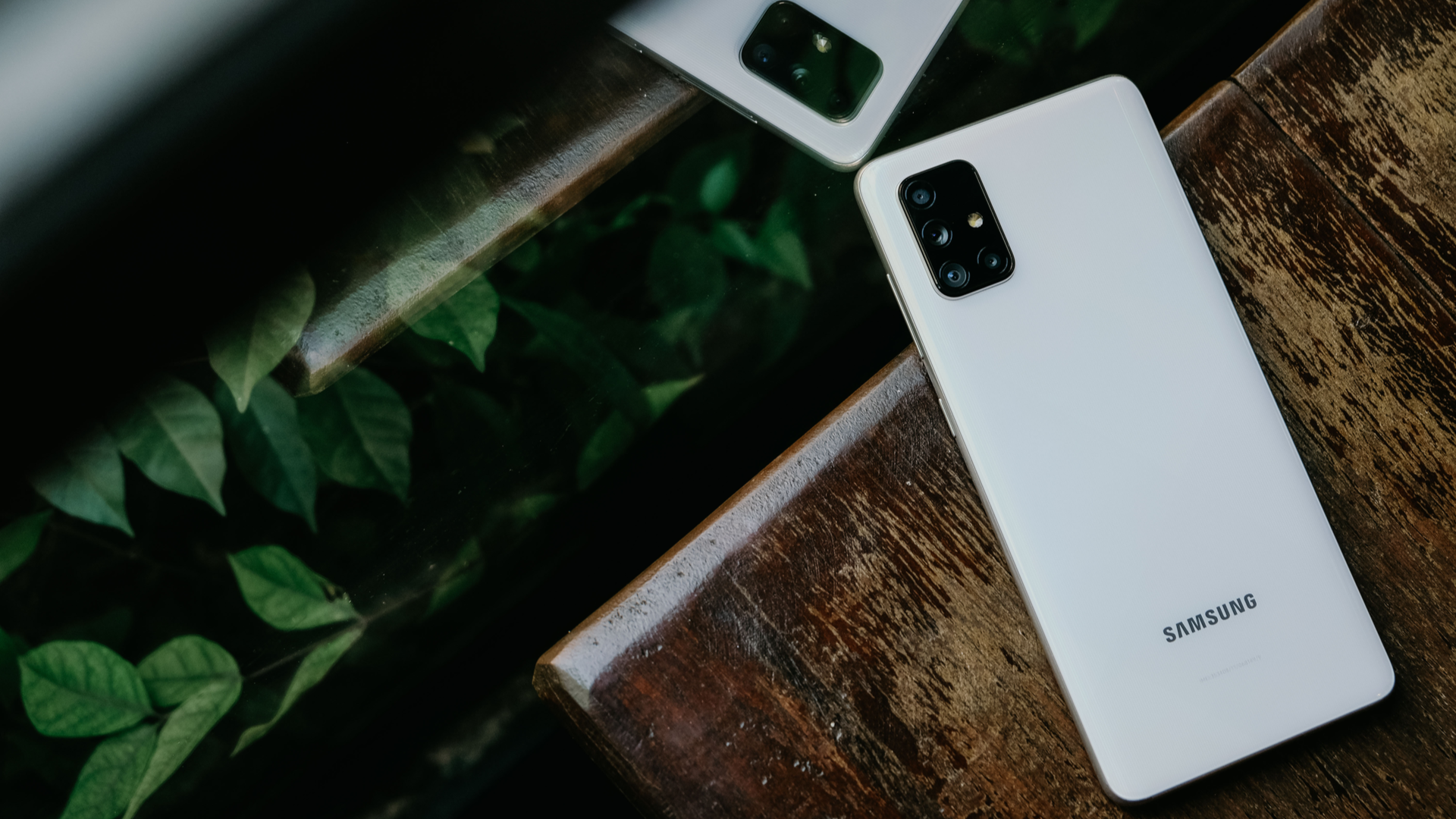Galaxy A71 é o modelo mais robusto da série Galaxy A 2020. (Imagem: Framesira/Shutterstock)