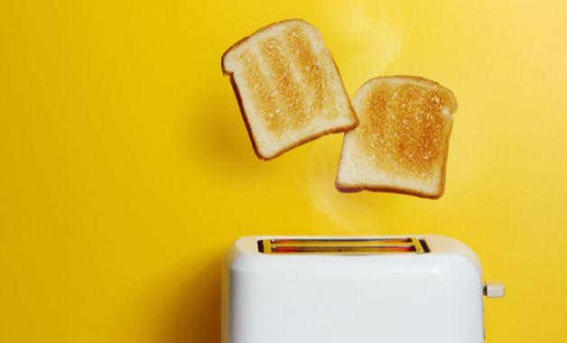 A torradeira pode ser uma boa opção para mudar os cafés da manhã. (Imagem: Reprodução/Shutterstock)