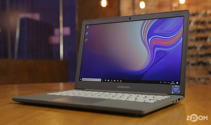 O Samsung Flash F30 é um notebook compacto para tarefas simples. (Imagem: Zoom)
