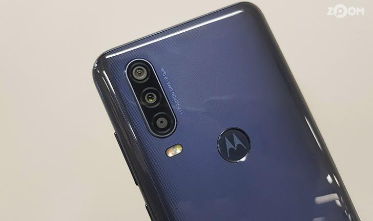Motorola One Action tem lente ultra-wide, faz vídeos em 4K e tem estabilização eletrônica de imagem. (Imagem: Ana Marques/Zoom)