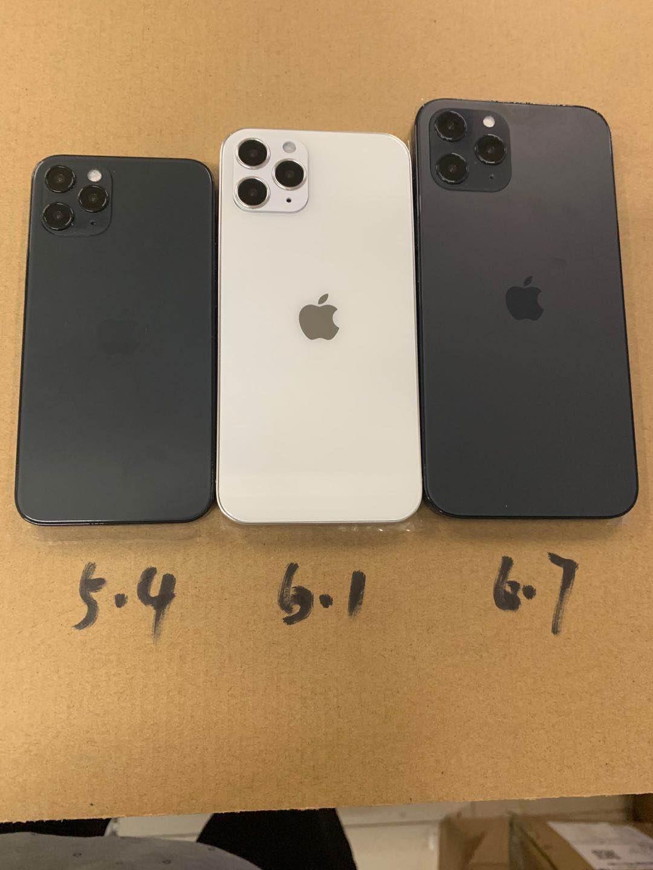 Possíveis tamanhos dos novos iPhones. (Imagem: Reprodução/@SonnyDickson)