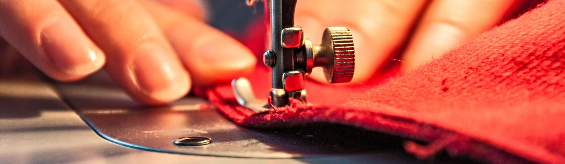 Melhor Máquina de Costura para Comprar em 2020: veja 10 opções