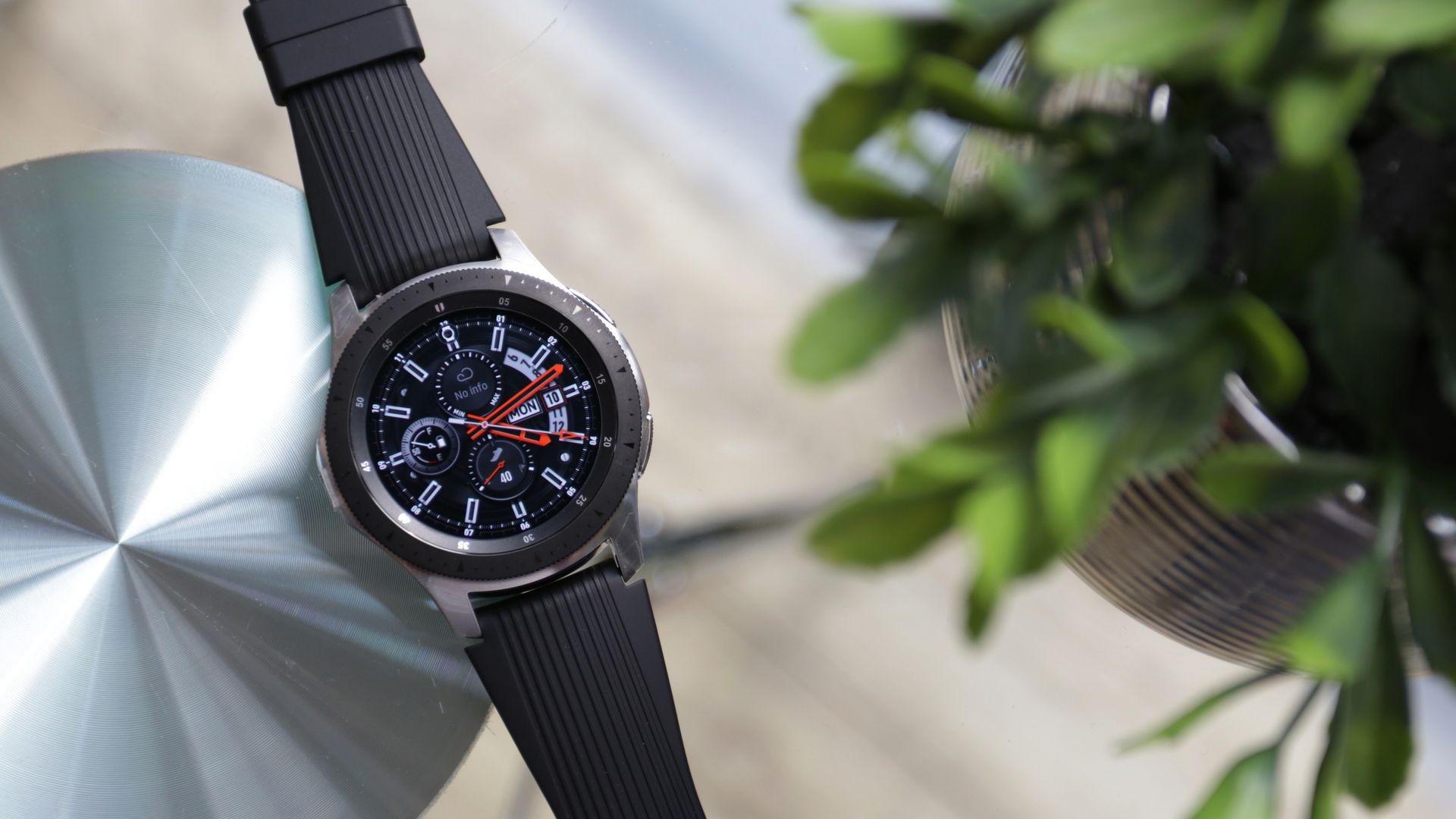 Galaxy Watch [foto] pode receber sucessor, o Galaxy Watch Active 2. (Imagem: Framesira/Shutterstock)