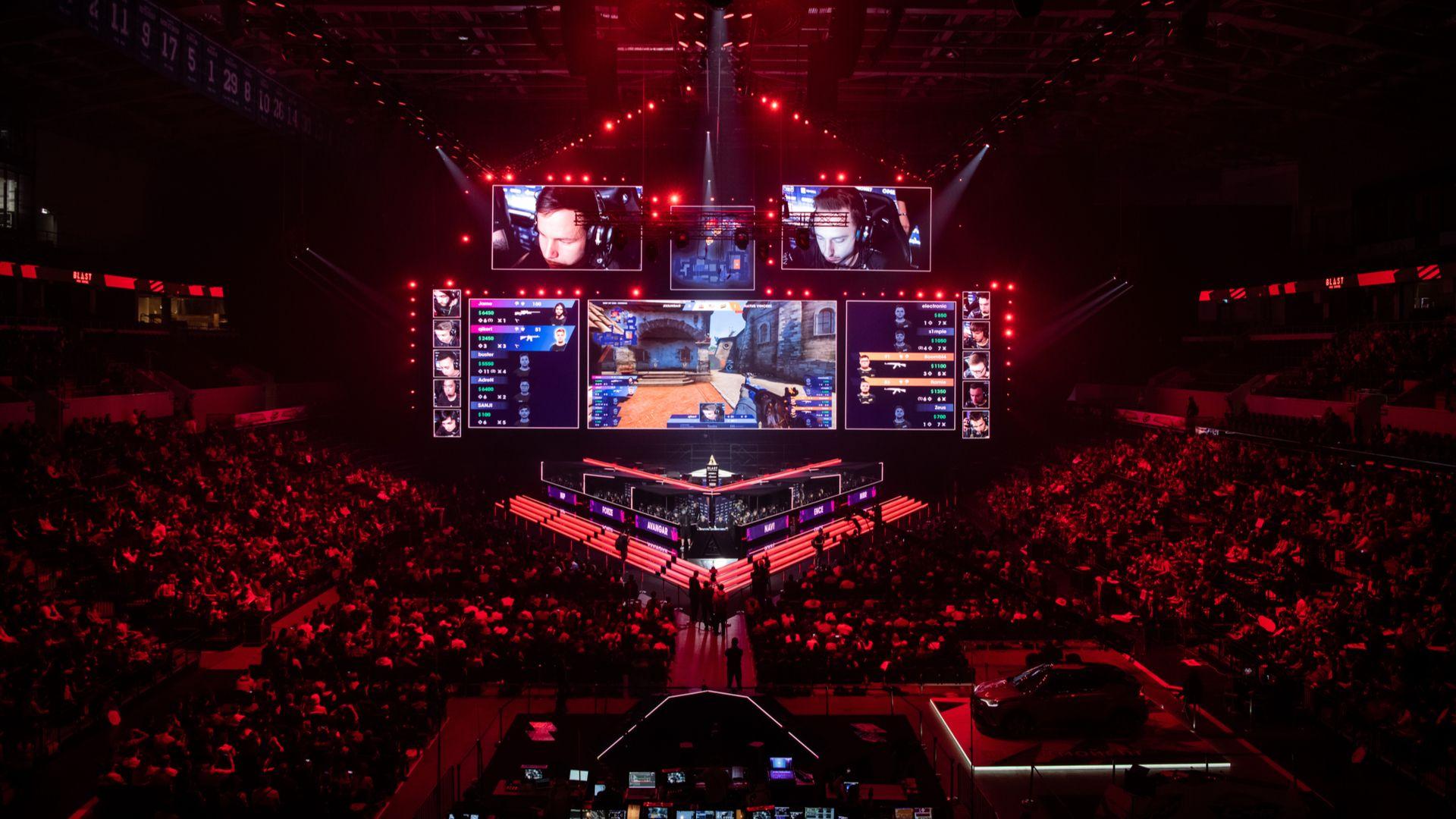 """Jogos competitivos têm torneios de esports com premiações milionárias. (Foto: Reprodução/Shutterstock/<a href=""""https://www.shutterstock.com/pt/g/RomanKos"""">Roman Kosolapov</a>)"""