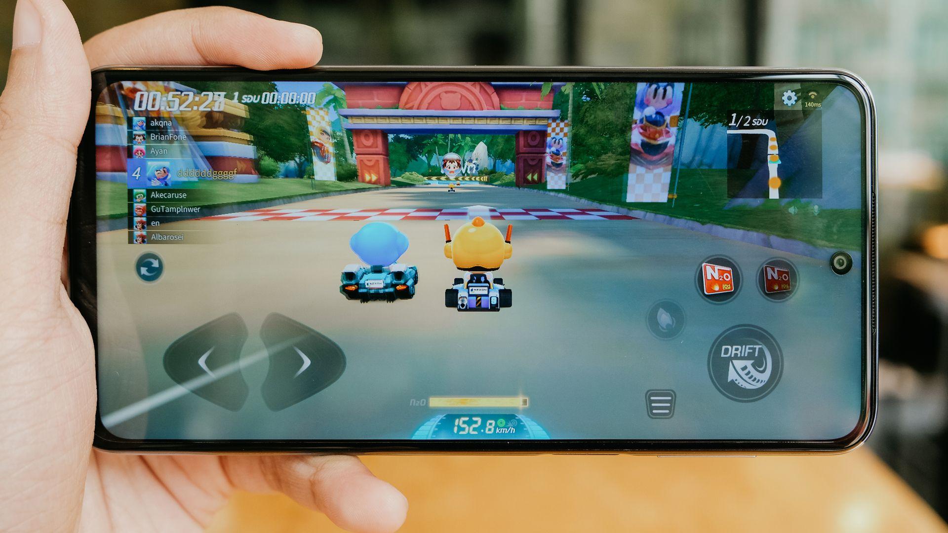 Redmi Note 9 Pro promete bom desempenho para games. (Imagem: Framesira/Shutterstock)