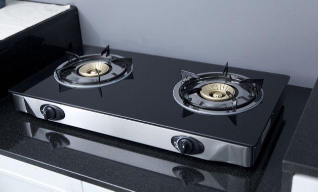 O fogão de mesa lembra os cooktops e podem ser portáteis. (Imagem: Reprodução/Shutterstock)