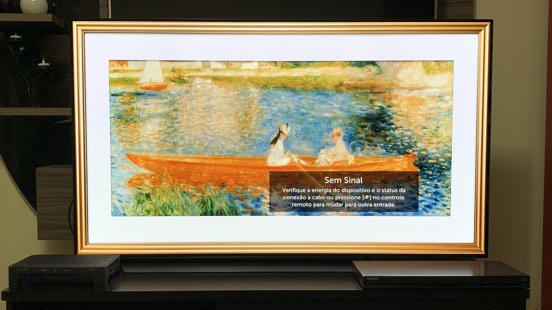 Modo Galeria deixa a TV LG C9 como se fosse um quadro, podendo servir quase como uma peça de decoração do ambiente. (Imagem: Yulli Dias/Zoom)