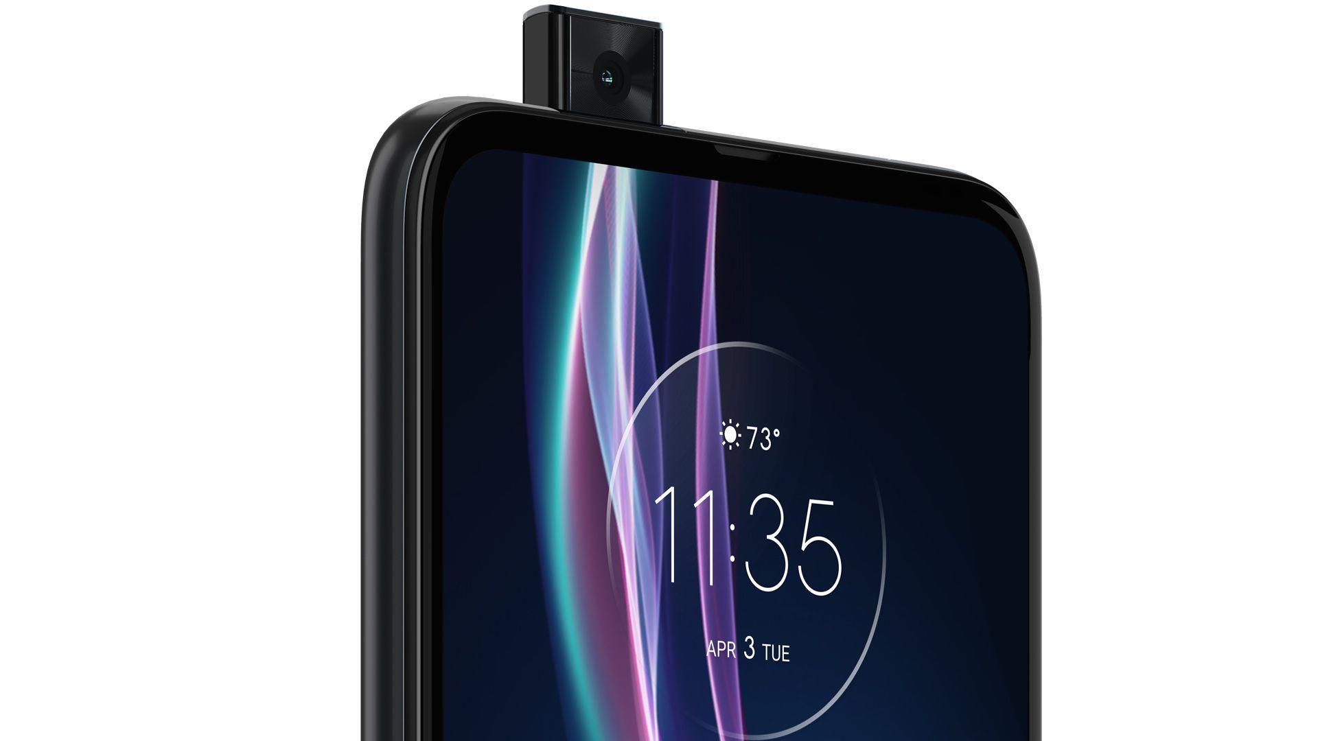 Motorola One Fusion Plus tem câmera pop-up de 16 MP. (Imagem: Divulgação/Motorola)