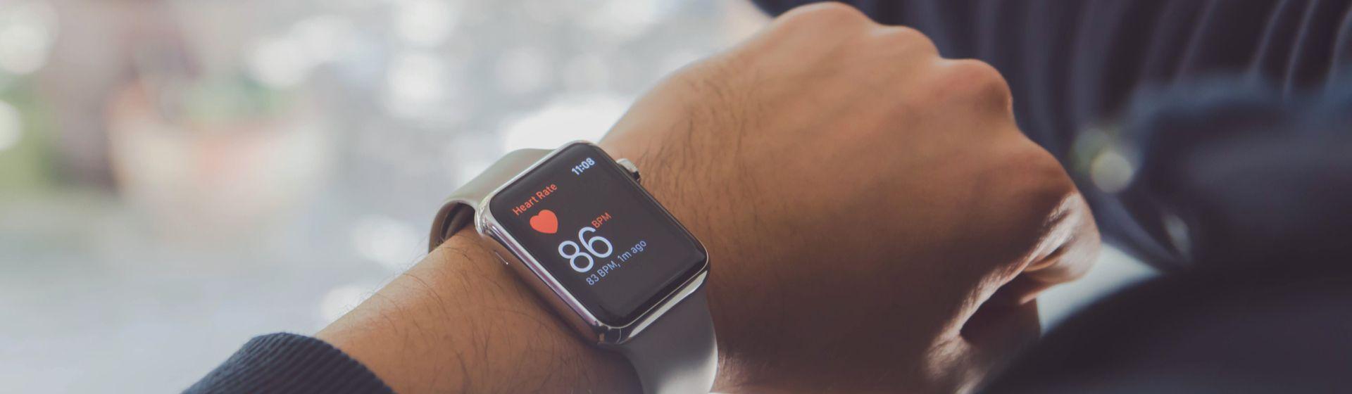 Como usar seu smartwatch para cuidar da saúde na quarentena