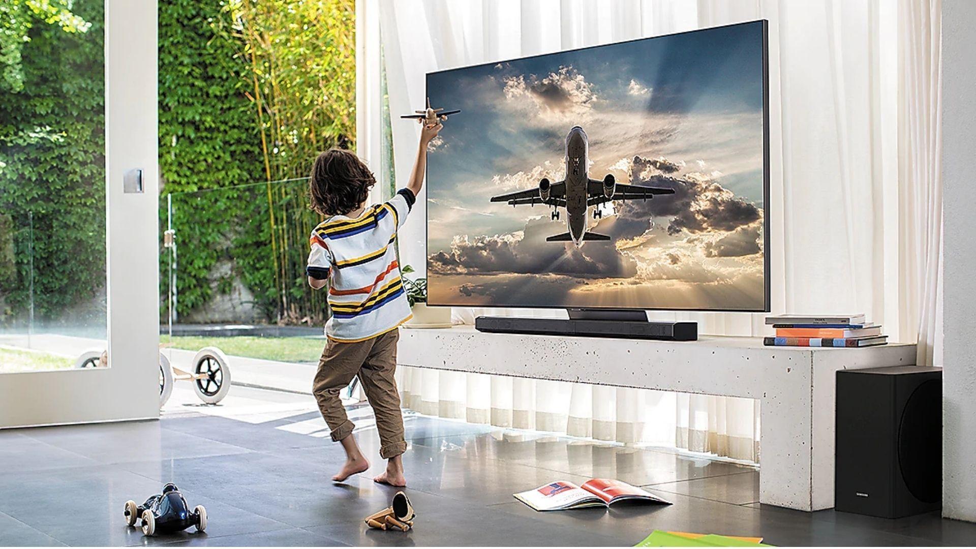 Samsung QLED Q95T é a TV 4K 2020 mais avançada da marca. (Imagem: Divulgação/Samsung)