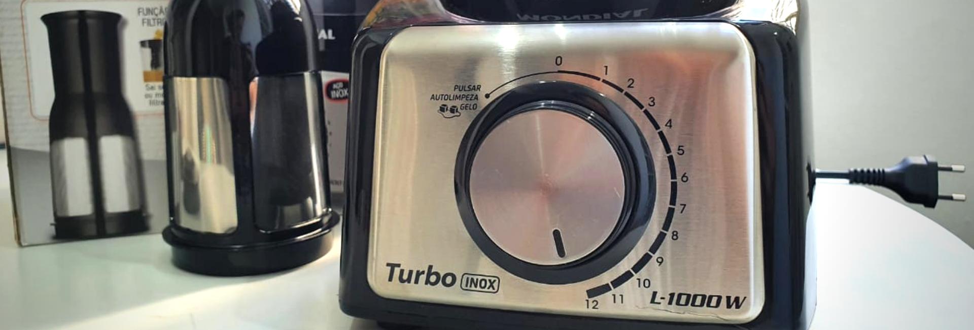 Liquidificador Mondial Turbo Inox L-1000 é bom? Confira detalhes do review