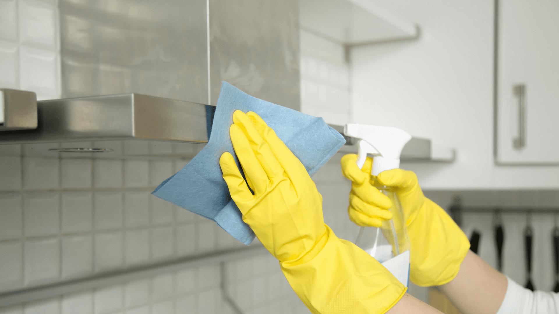 O bicarbonato de sódio pode ser um grande aliado na higienização da sua coifa de inox (Imagem: Reprodução/Shutterstock)