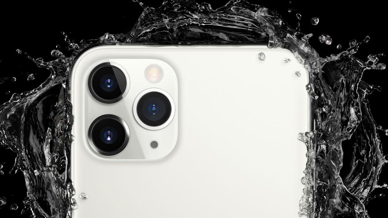 O iPhone 11 Pro Max é resistente à água (Foto: Divulgação/Apple)