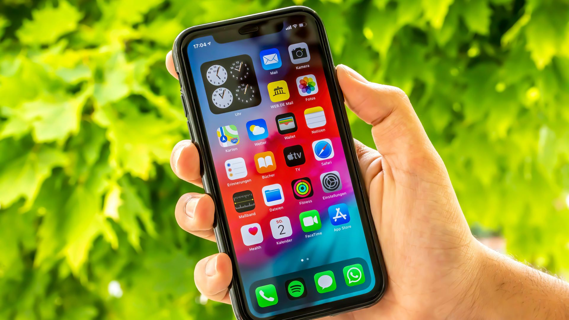 O iPhone 11 Pro Max tem tela OLED com 6,5 polegadas (Foto: Shutterstock)
