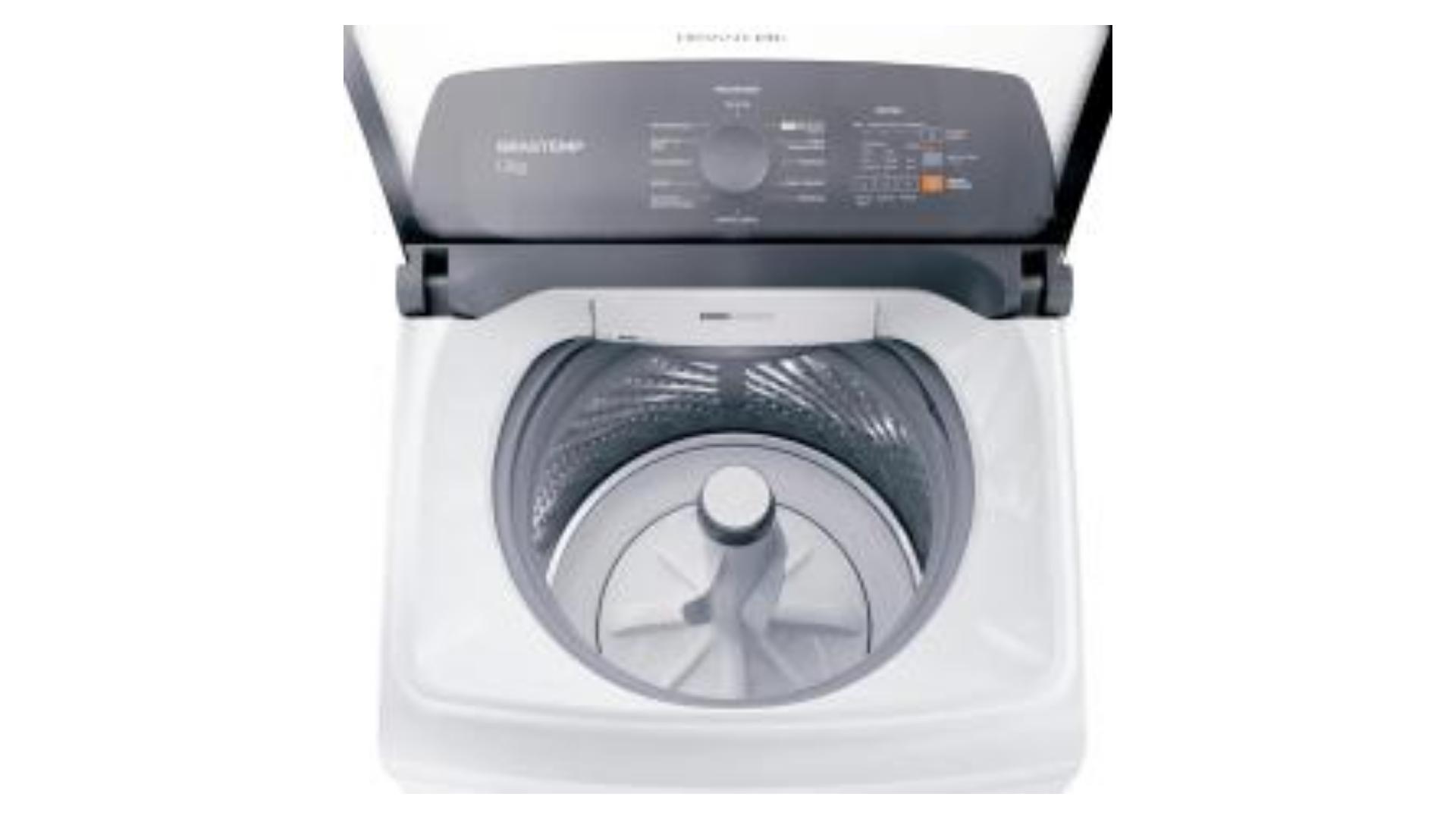 A capacidade de 12Kg da lavadora de roupas Brastemp consegue atender famílias de até 5 pessoas. (Imagem: Reprodução/Brastemp)