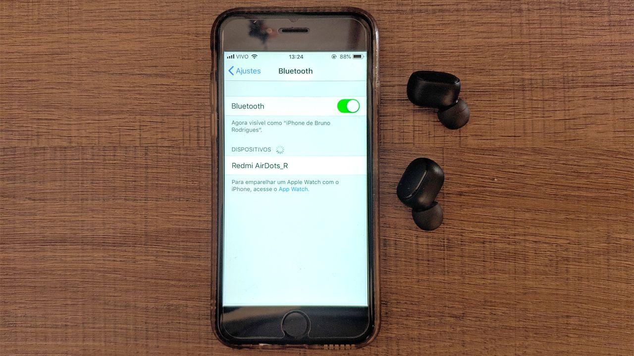 Os Redmi AirDots tem suporte a aparelhos com Android e iOS (Foto: Reprodução/Bruno Rodrigues)
