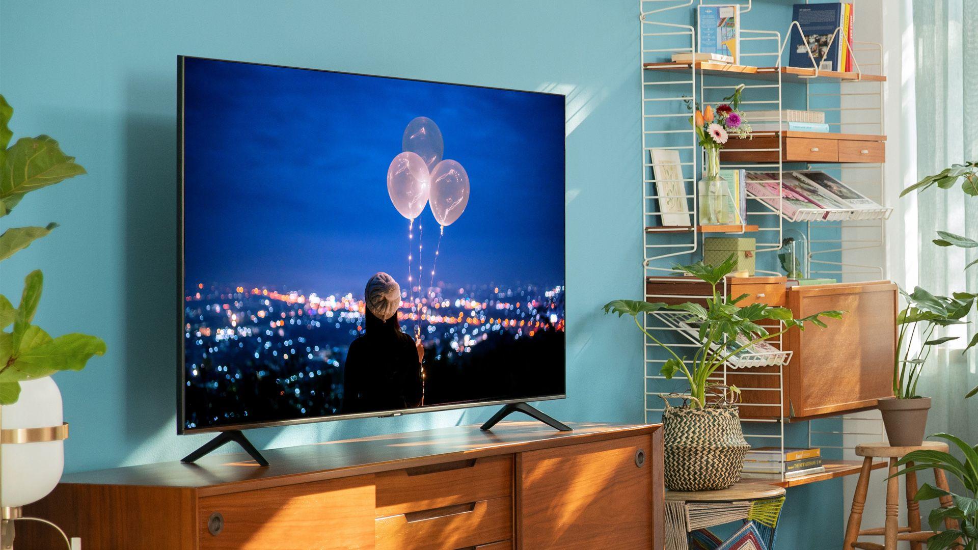 A smart TV Samsung TU8000 é um lançamento da marca para 2020. (Imagem: Divulgação/Samsung).