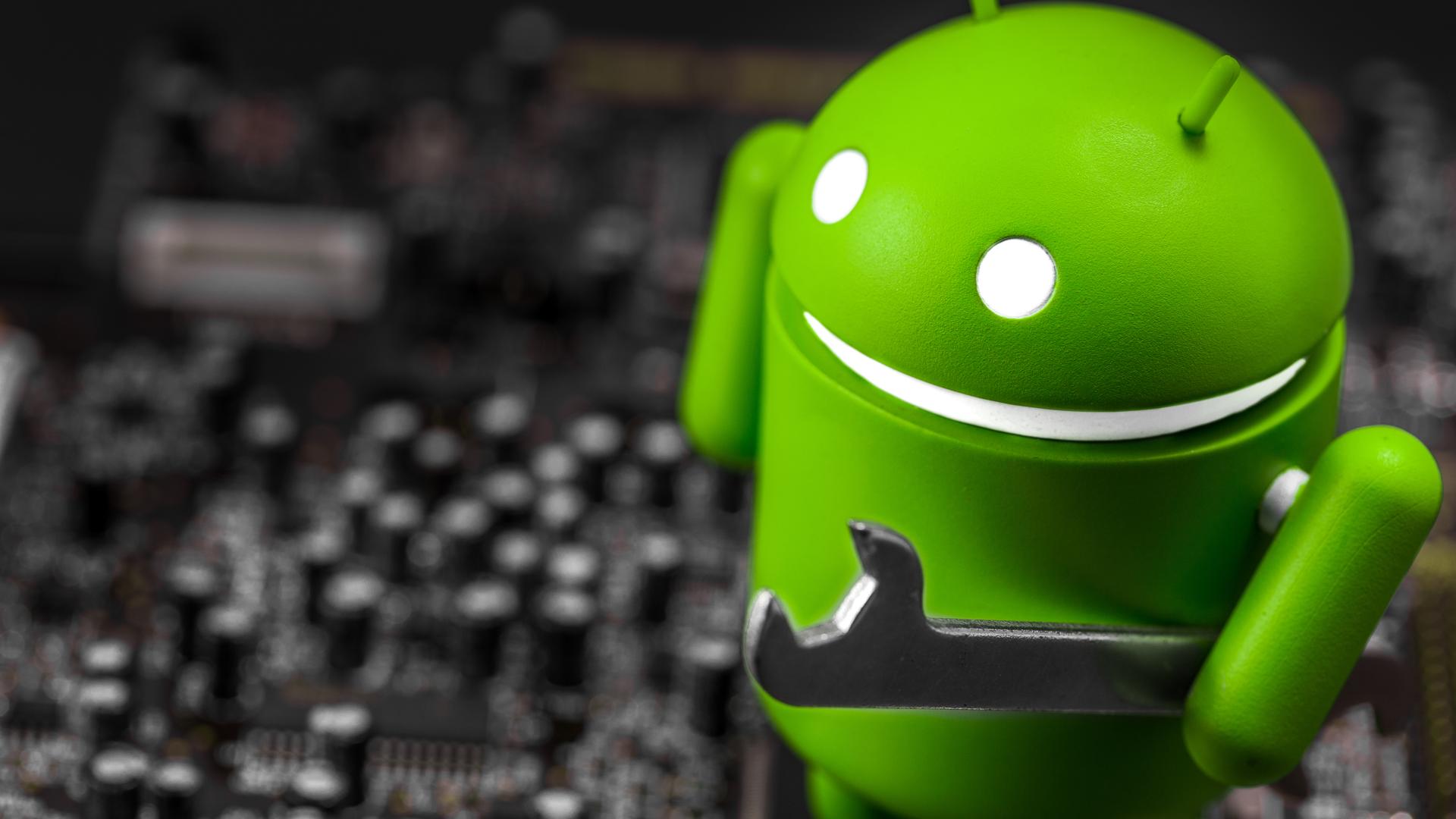 Ainda que não seja o mesmo sistema, o Android da televisão tem uma ótima compatibilidade com o sistema do celular (Imagem: Shutterstock/Primakov).