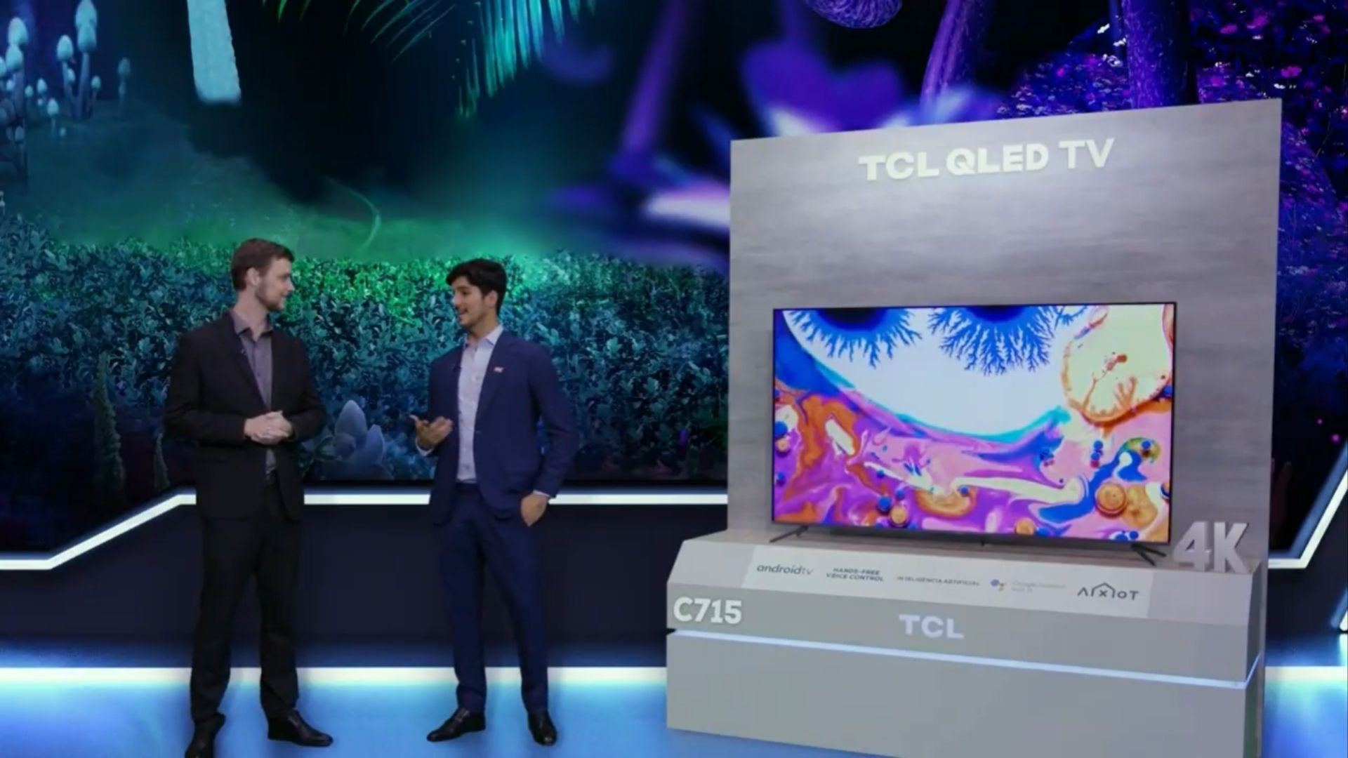 TCL C715 é a nova TV QLED 4K da multinacional chinesa. (Imagem: Reprodução/TCL)