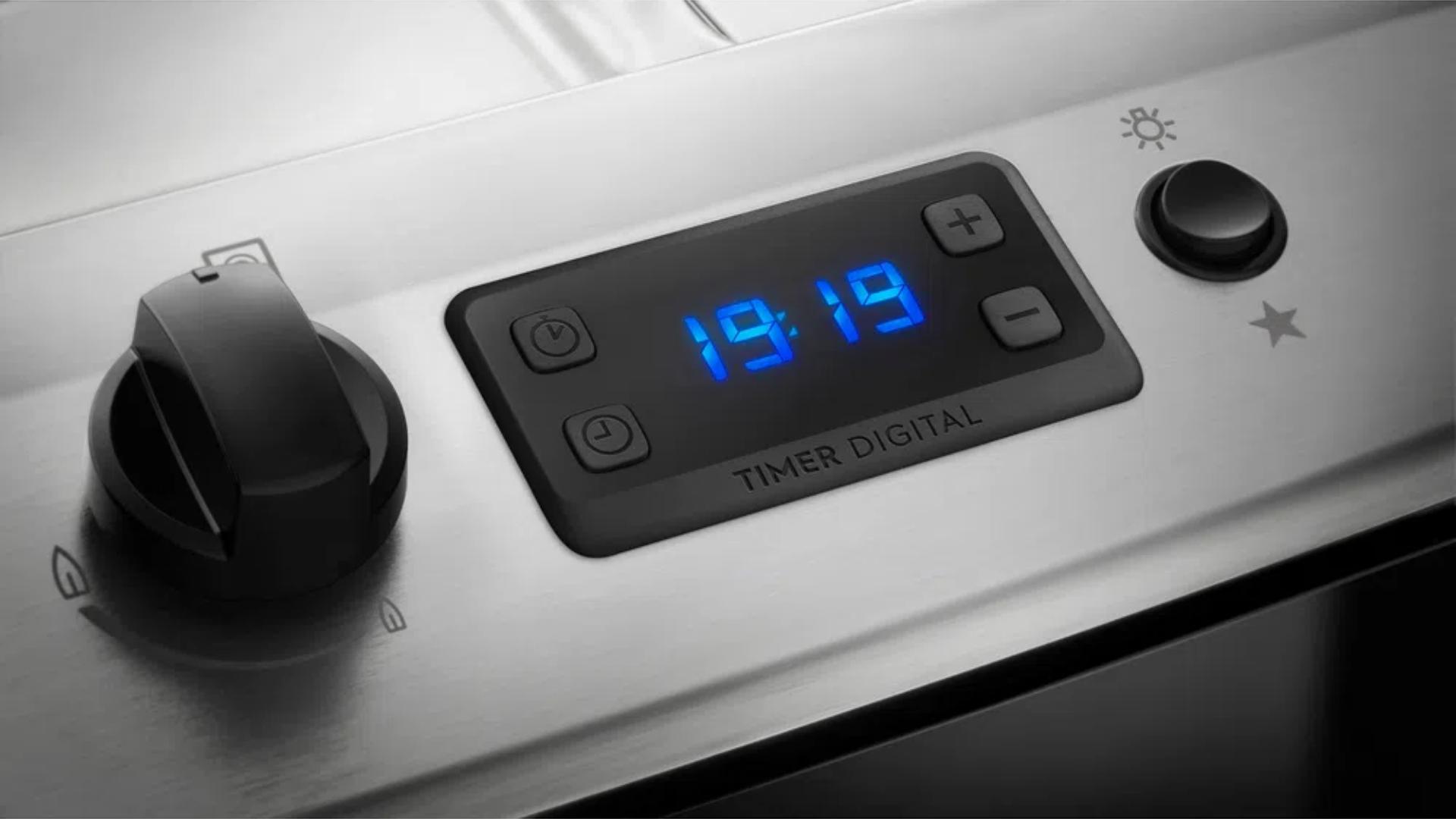 O timer digital garante que o tempo seja cronometrado e sinalizado com aviso sonoro (Imagem: Divulgação/Electrolux)