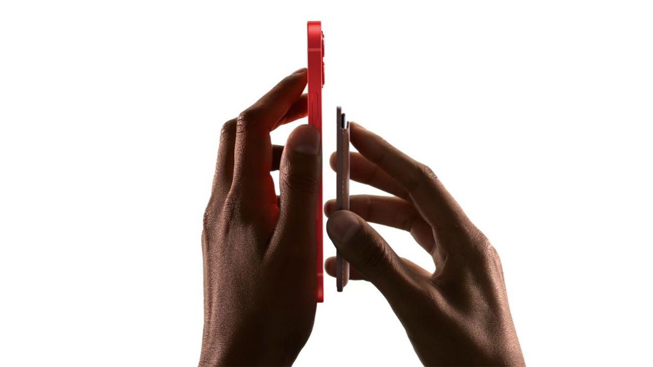 A Apple terá vários acessórios do MagSafe para o iPhone 12 Pro. (Foto: Divulgação/Apple)
