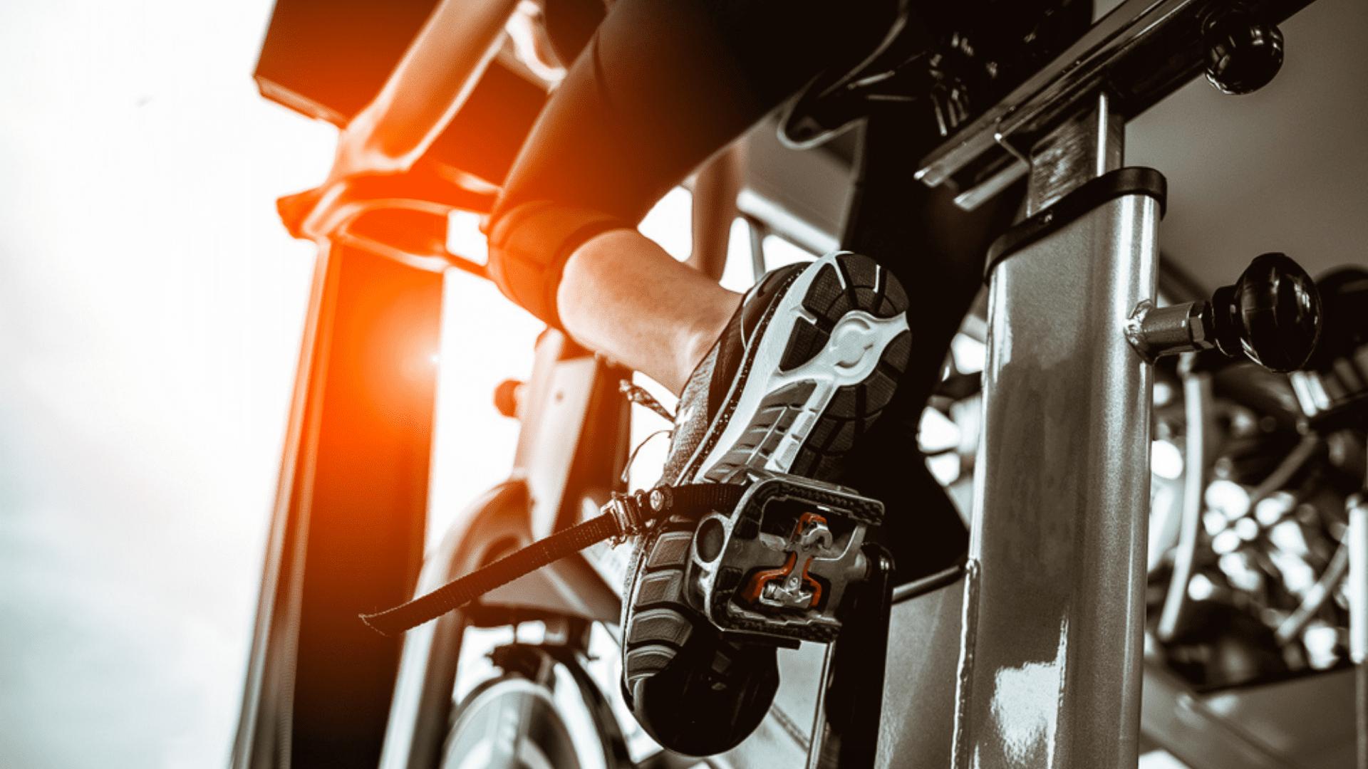 Veja a nossa seleção das melhores bicicletas de spinning de 2021! (Imagem: Reprodução/Shutterstock)