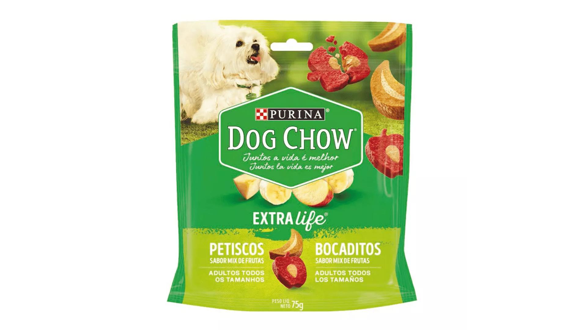 O petisco Dog Chow Carinhos Maçã e Banana auxilia a reduzir o mau hálito do cachorro filhote (Imagem: Divulgação/Dog Chow)