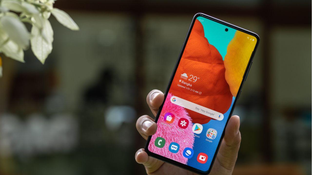 O Samsung Galaxy A51 foi o celular mais vendido em setembro (Foto: Shutterstock)