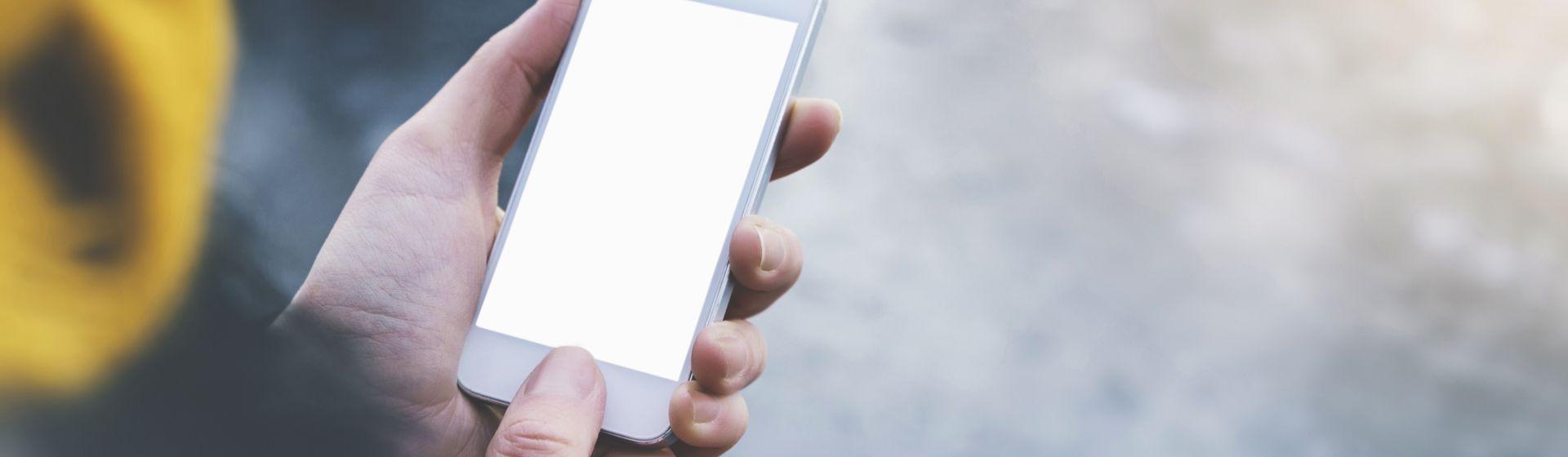 Celular travando: o que pode estar acontecendo com seu smartphone e como resolver?