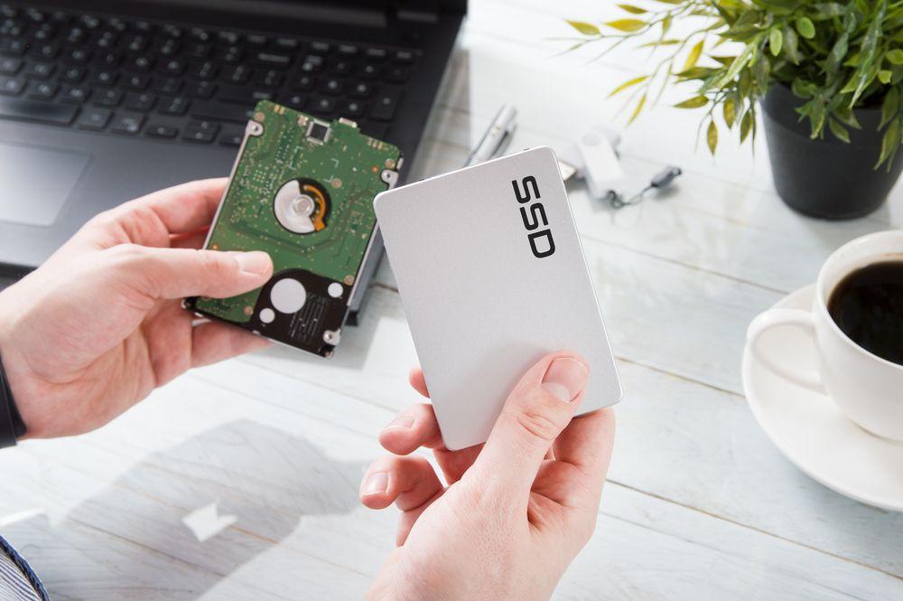 Um SSD chega a ser 10x mais rápido que um HD. (Daniel Krason/Shutterstock)
