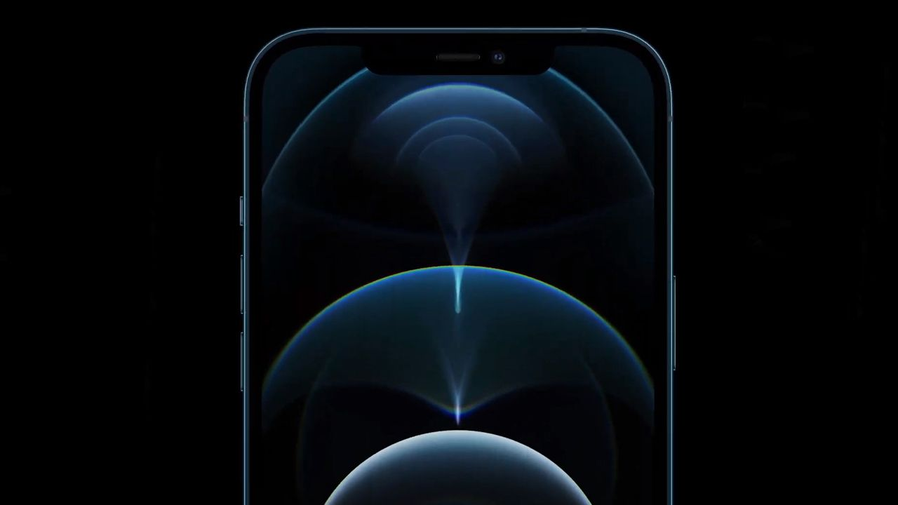 O iPhone 12 Pro possui tela de 6,1 polegadas com tecnologia OLED. (Foto: Divulgação/Apple)