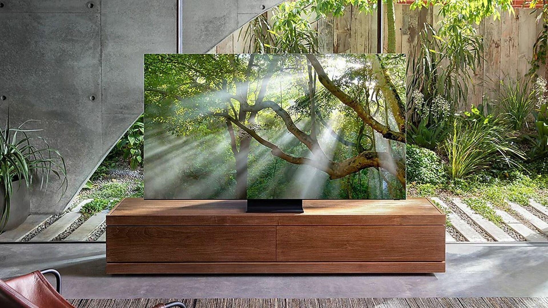 A Samsung Q950T é uma TV 8K de 2020 e poderá estar em promoção na Black Friday (Imagem: Divulgação/Samsung).
