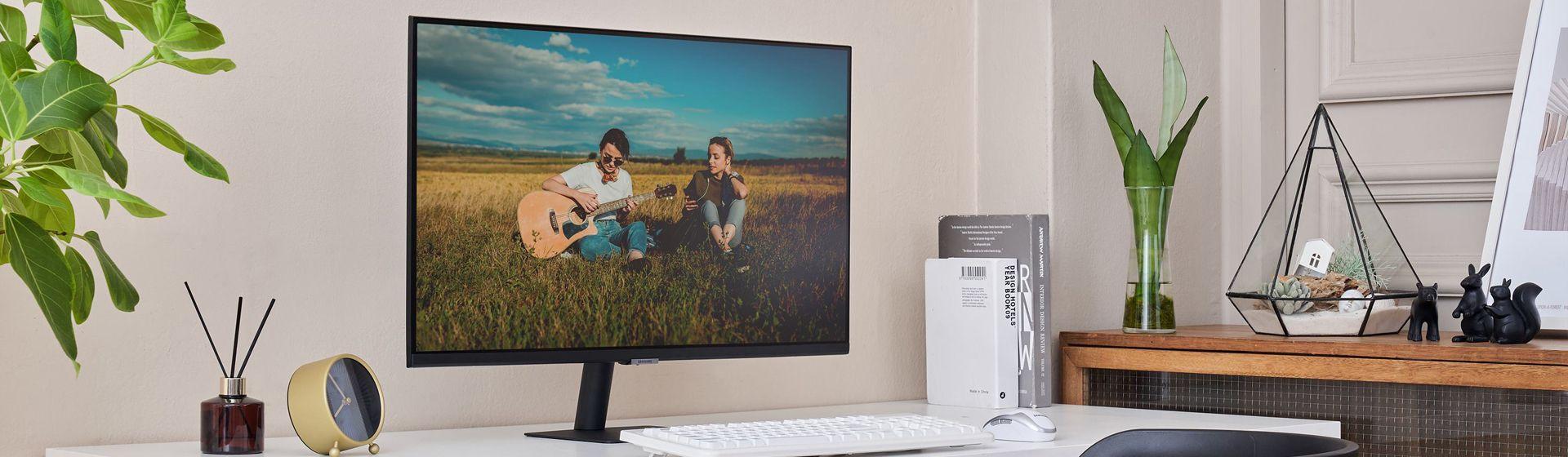 Samsung lança Smart Monitor M7 com funções de TV inteligente