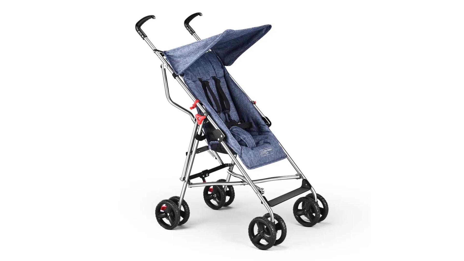 O carrinho de bebê guarda-chuva tem um sistema de fechamento mais compacto (Imagem: Divulgação/Multikids)