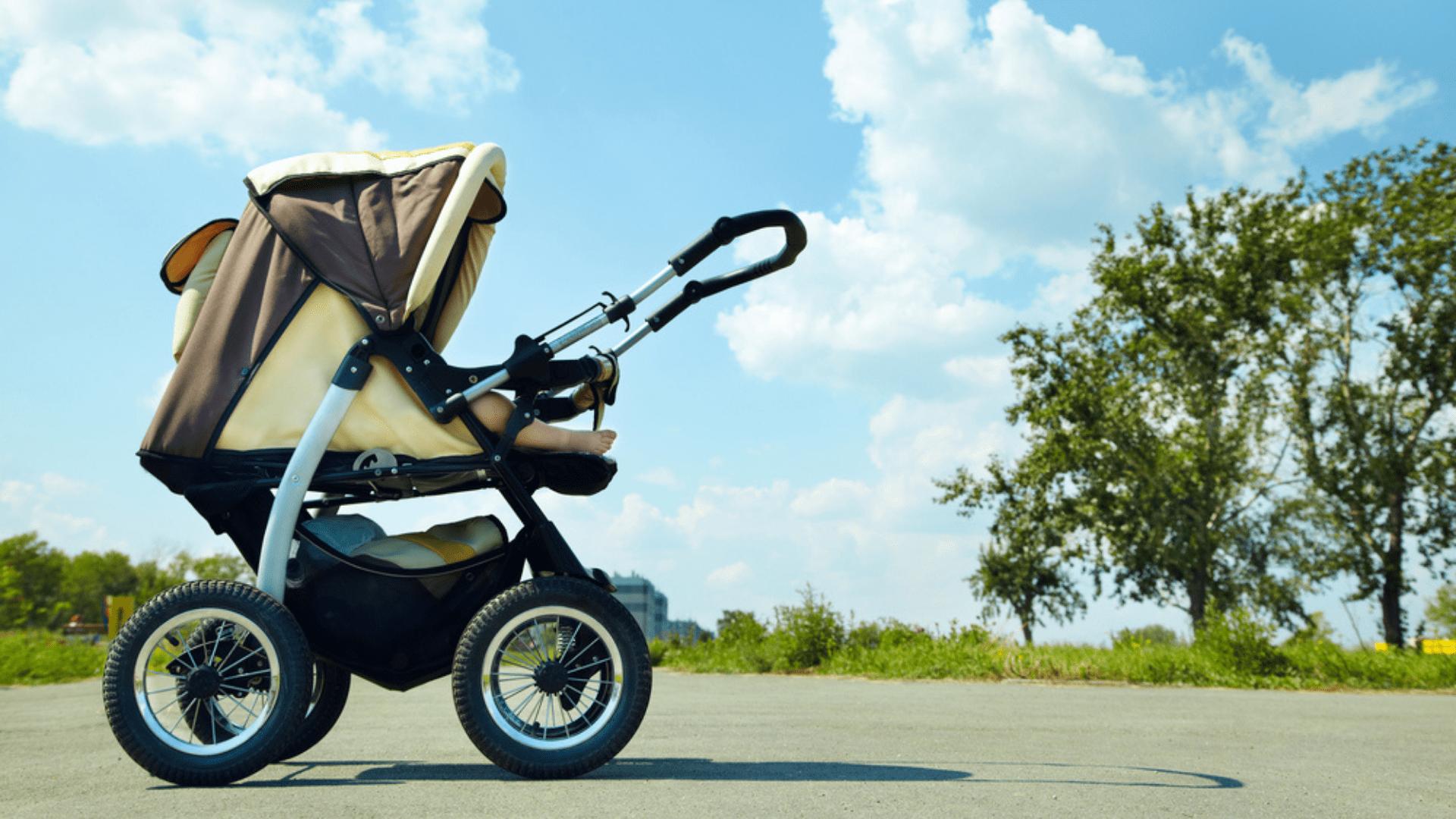 Confira algumas dicas para se atentar na hora de escolher um carrinho de bebê (Imagem: Reprodução/Shutterstock)
