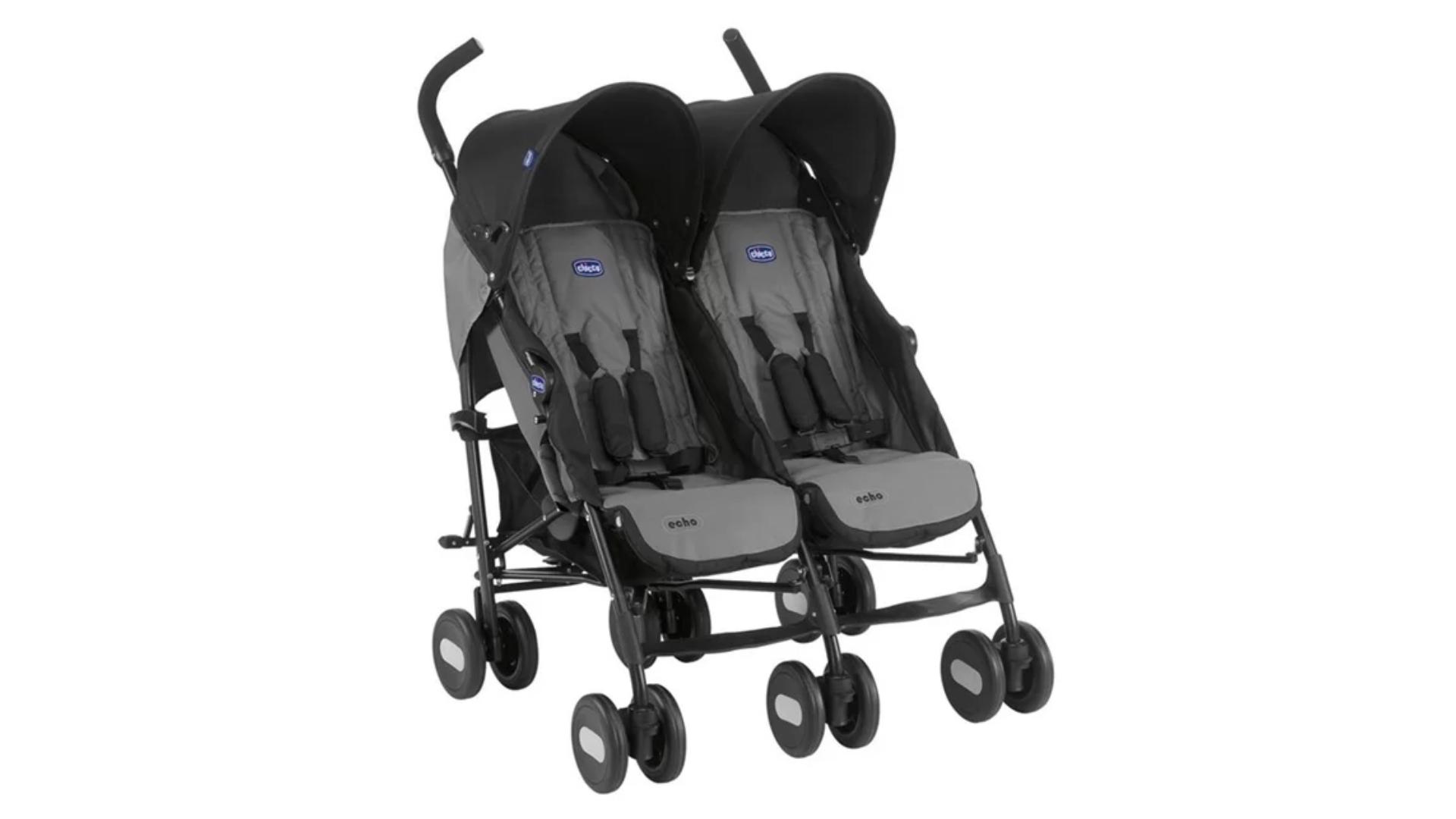 O carrinho de bebê duplo é indicado para pais de gêmeos (Imagem: Divulgação/Chicco)
