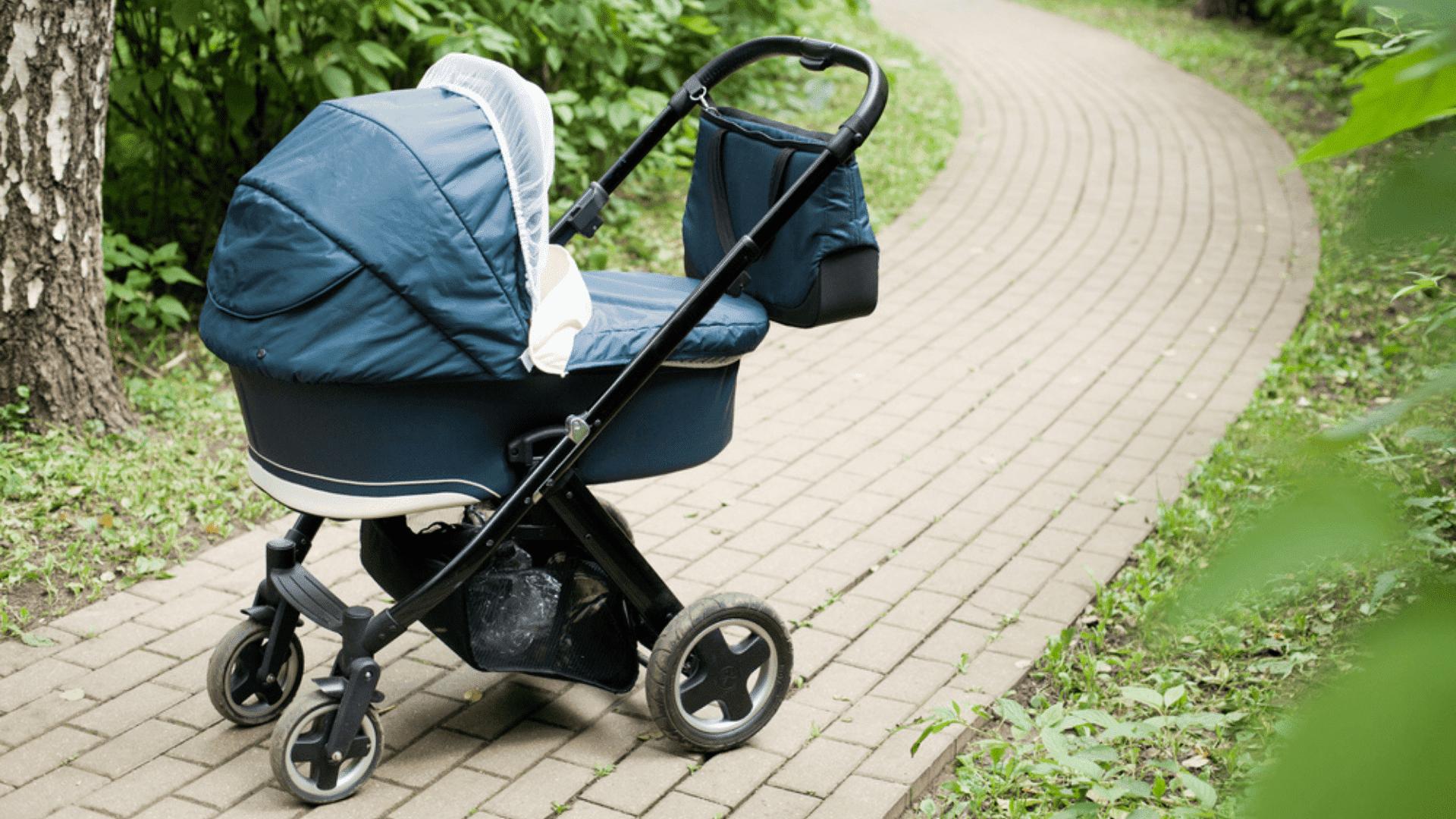 O carrinho de bebê reversível é uma ótima opção para recém-nascidos (Imagem: Reprodução/Shutterstock)