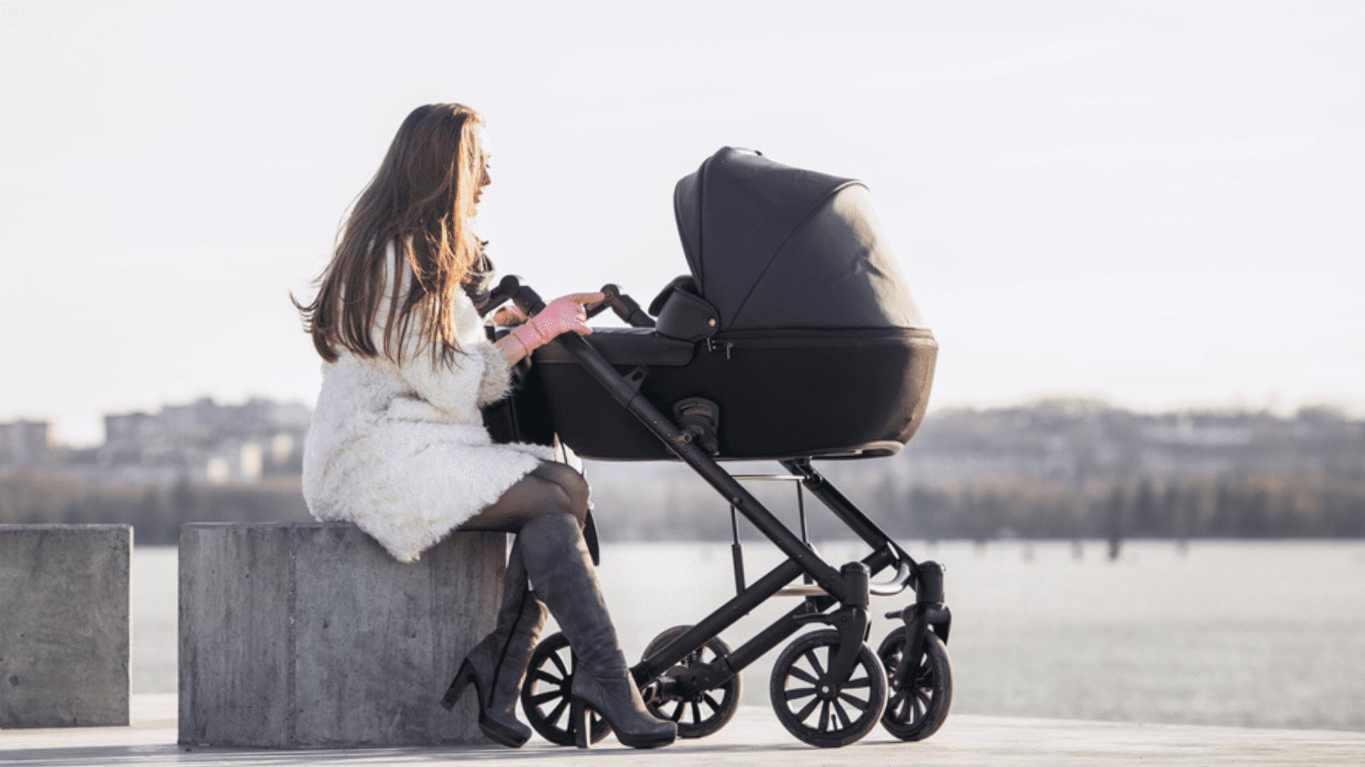 Entenda o que é o Moisés no carrinho de bebê! (Imagem: Reprodução/Shutterstock)