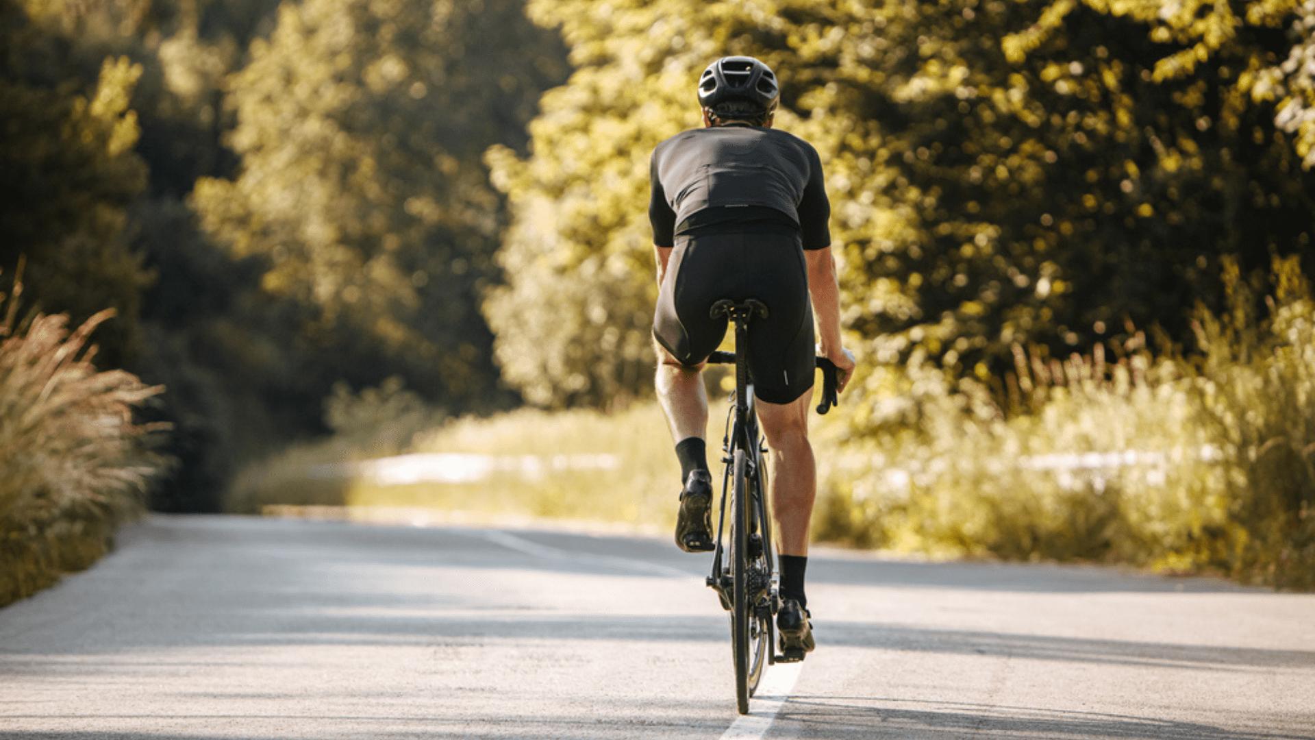 Para pedalar no asfalto, prefira bicicletas de passeio ou de transporte (Imagem: Reprodução/Shutterstock)